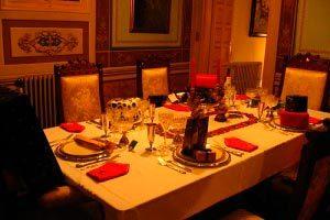 Cómo organizar exitosamente una cena de navidad: horario, menú, invitados y decoración.