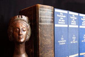 Ideas para organizar los libros de manera decorativa