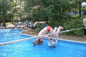 Consejos para pasar todo un día en la piscina con amigas