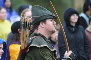 Escenario, personajes, vestimenta y todos los detalles para organizar una feria medieval