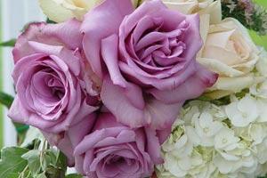 Cómo seleccionar las flores adecuadas para decorar un evento