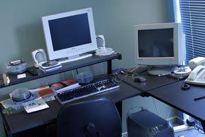 Qué elementos es necesario tener a mano en una mesa de trabajo para estar mejor organizado