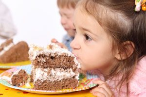 Cómo planear un cumpleaños para niños con alimentos saludables