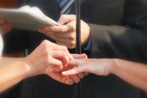Cómo organizar la música y los opúsculos en la ceremonia religiosa de una boda